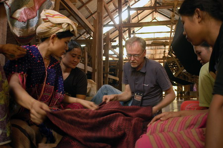 Kent in weaving house_サイズ変更.jpg